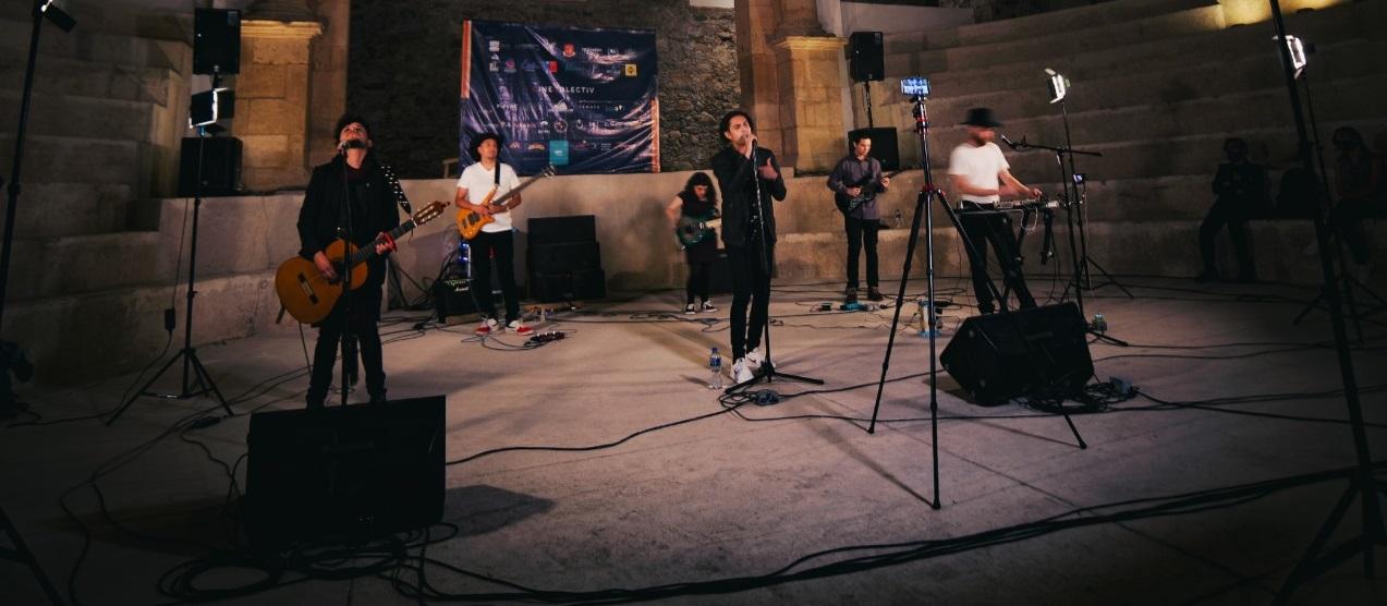 El cantautor chileno Camilo Antileo realizó una presentación en la mítica Plaza de Gallos de León, en Guanajuato, México